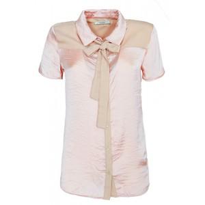 Blusa sedosa Yes Zee con lazo y apertura en la espalda