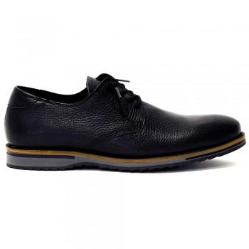 Zapatos C909 en piel color negro Cetti