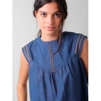 Blusa con costuras a contraste Indi & Cold